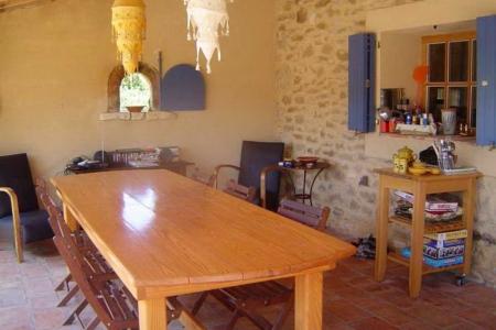 Maison Christol - grote tafel op overdekt terras