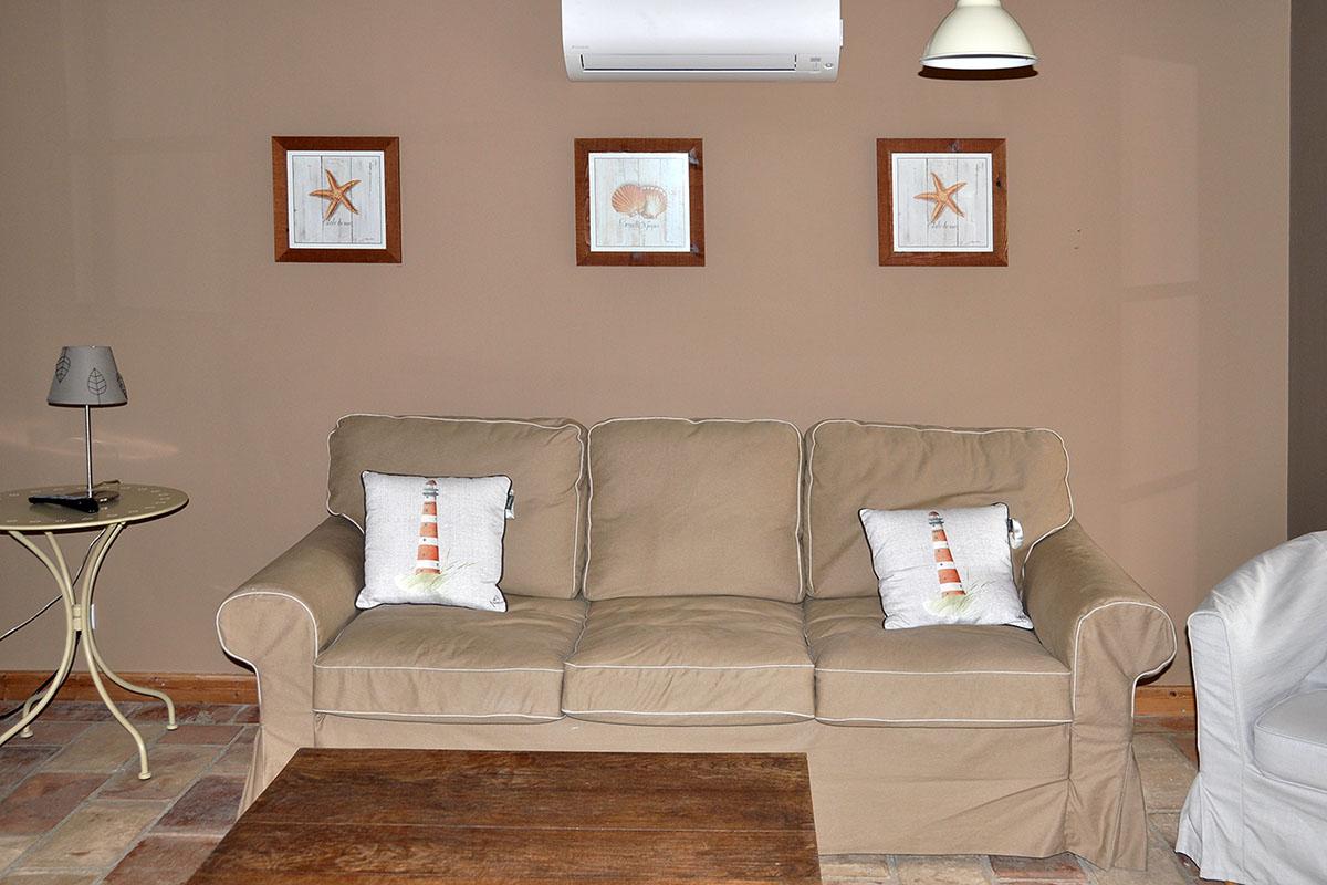 Maison Christol - slaapsofa living gebruikt als zetel